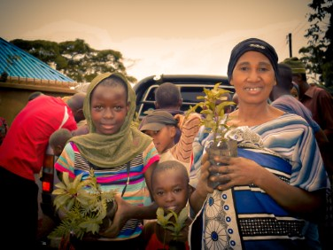 suco-sessions-planting-in-tanzania.jpg