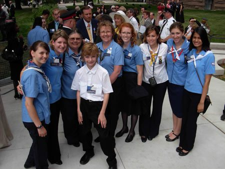 Mac-queen-with-Girl-Guides-450