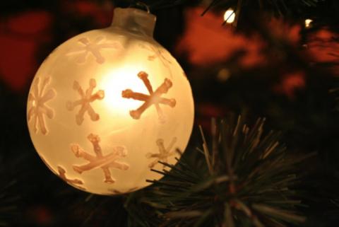 Leafy lights decoration