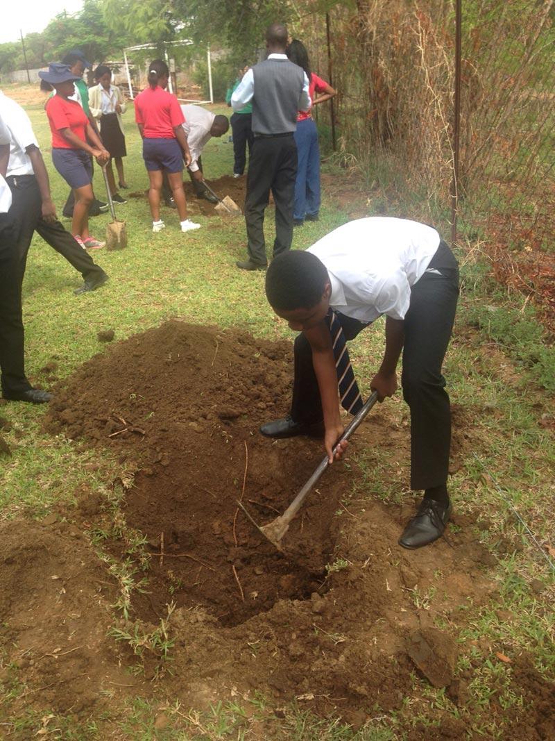 Taya-Chakarisa-Tree-Planting (1)