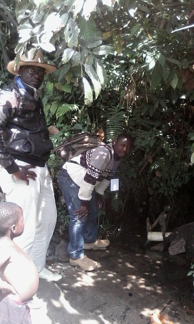 Farmer-Tantoh-Visit-ESU-Village (3)